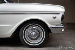 XP Ford Falcon Futura tng00736