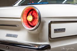 XP Ford Falcon Futura tng00743